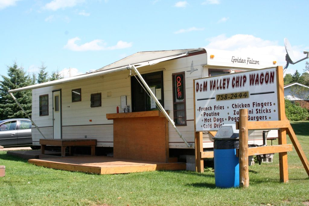 D & M Valley Chip Wagon, Quadeville, Ontario