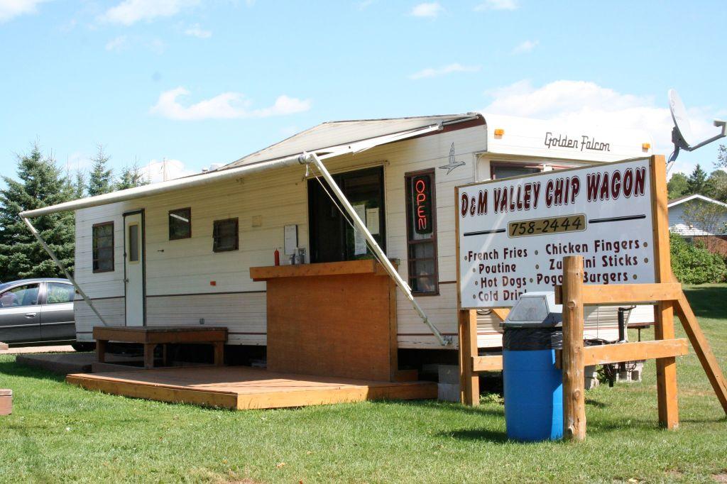 D & M Valley Chip Wagon, Quadeville, Ontario